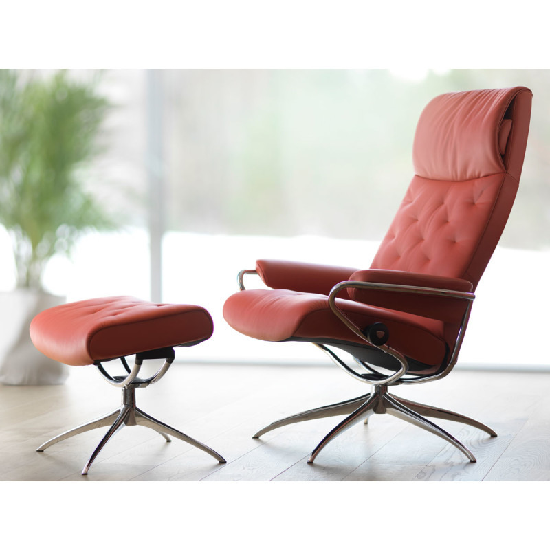 The Modern Yet Contemporary Metro Stressless Recliner Chair