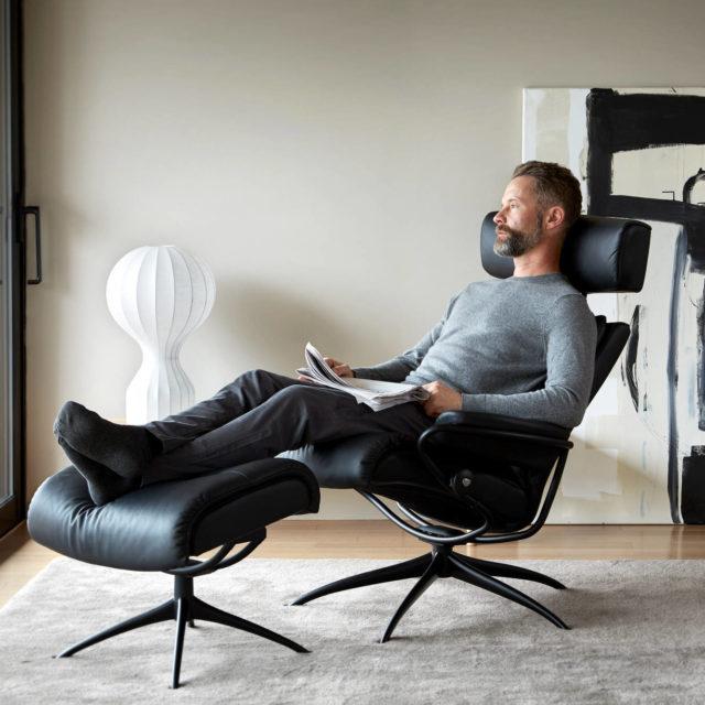 Stressless Tokyo_Adjustable head rest matt black base Recliner chair