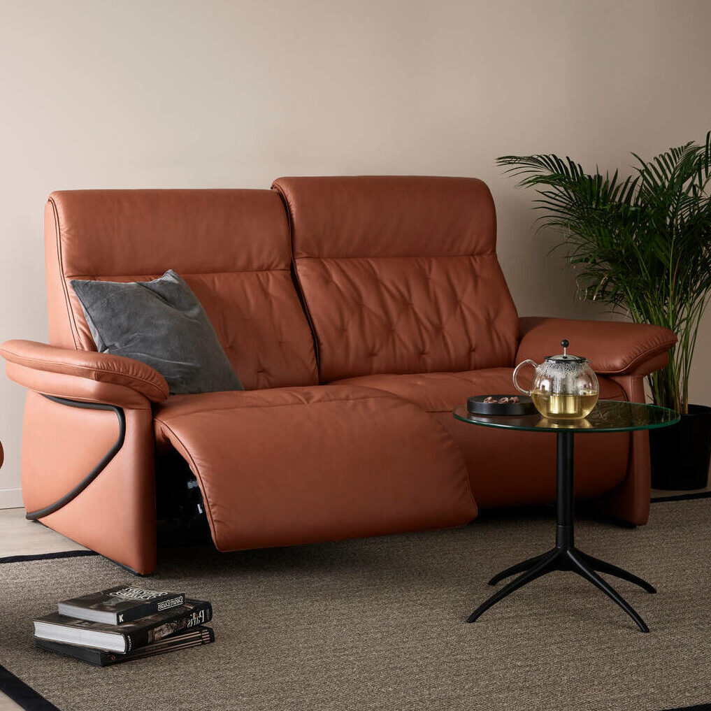 Stressless_Lucy_2s_Pal Copper_Black Metal Motorised