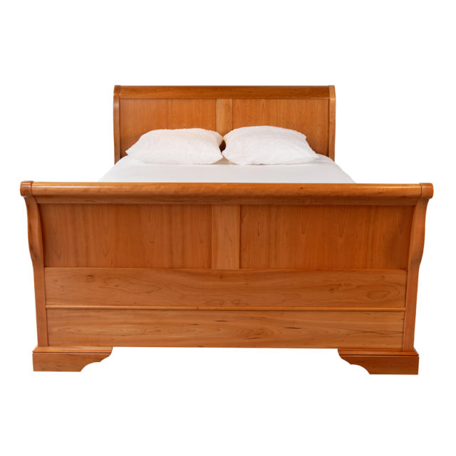 BR20Q Avignon Sleigh Bed Cherrywood_queen size