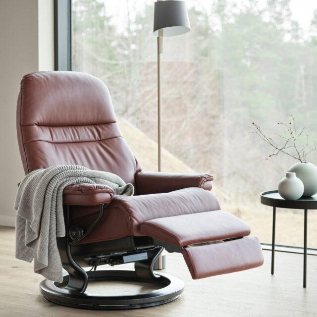 Stressless_Sunrise recliner chair Power_Medium_Pal_Maroon_Wenge