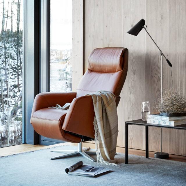 Stressless Scott powered recliner with Sirius based brushed aluminium