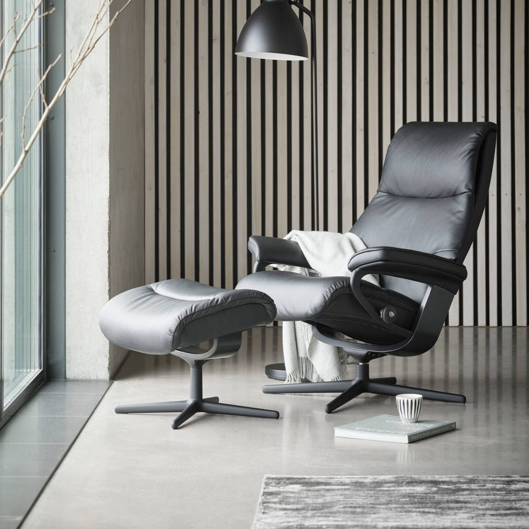 Stressless Recliner with Cross base black